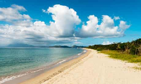Pinney's beach, St. Kitts
