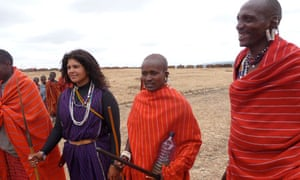 Mindy Budgor with tribesmen in Kenya during her training as a Masai warrior 2f1b893069
