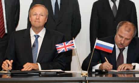 BP chief executive Bob Dudley signs agreement with Rosneft president Eduard Khudainatov