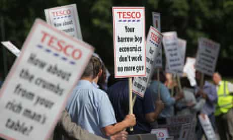 Pig farmers protest at Tesco annual meeting
