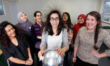 Girls studying physics at Lampton School in Hounslow