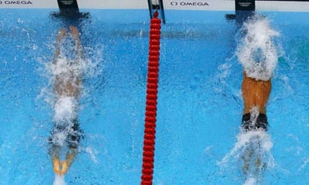 Chad le Clos beats Michael Phelps to win the men's 200m butterfly final