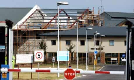 yarls wood detention centre