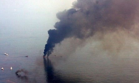 Controlled burn of oil from Deepwater Horizon oil spill Louisiana coast