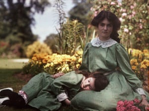 An autochrome of Iris and Janet, 1914, by Etheldreda Janet Laing