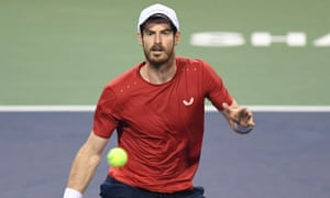 Andy Murray in action against Fognini in Shanghai.